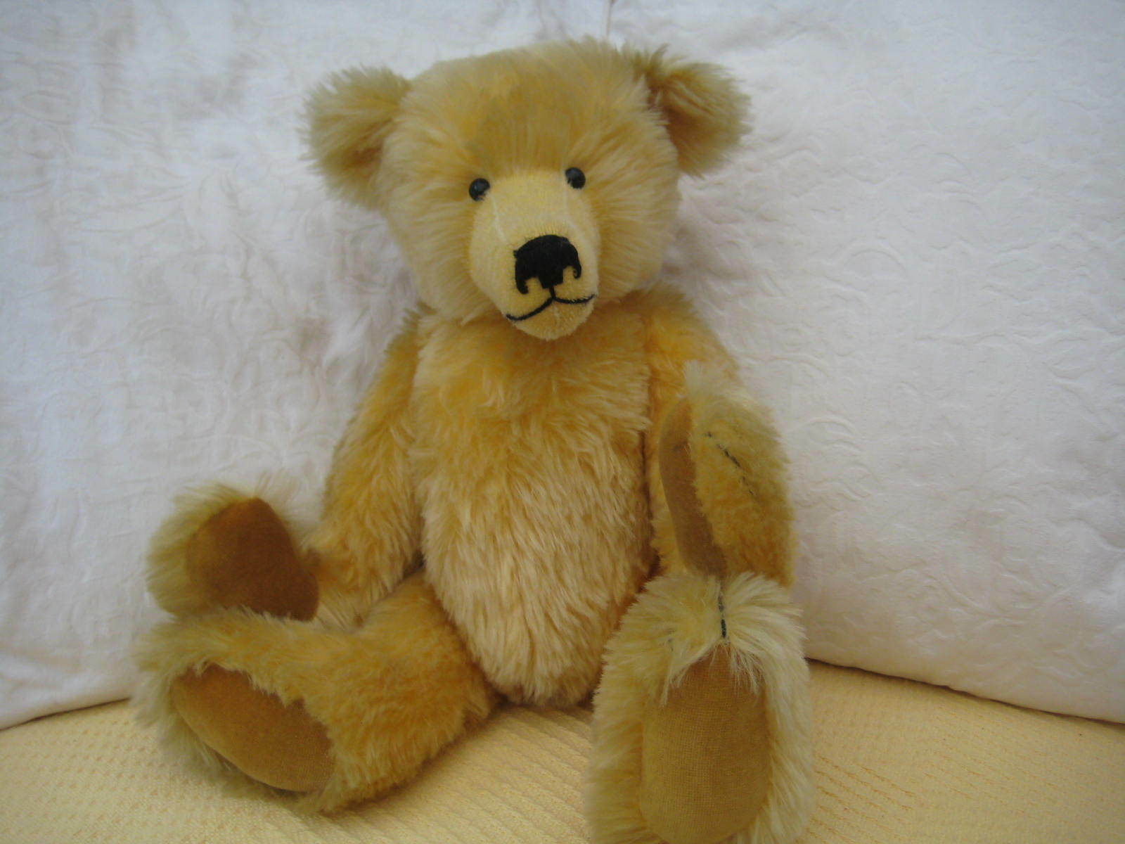 ASQUITHSBEAUTIFUL PRINCE RUPERT PROTOTYPE BEAR IN LUXURIOUS MOHAIR