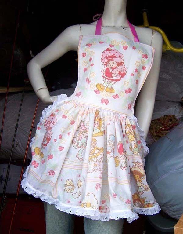 Strawberry Shortcake Apron Retro Ruffle Vintage Fabric Dinner Party Hostess