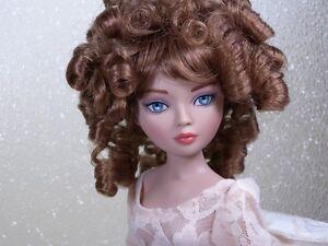 Monique-Wig-CHARMAINE-Size-6-7-Light-Auburn-Ellowyne-Volks-Evangeline-Unoa