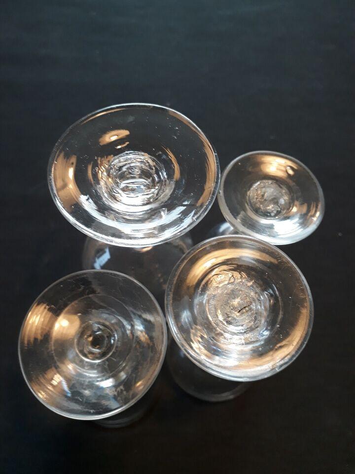 Glas, Fire antikke glas, Holmegaard