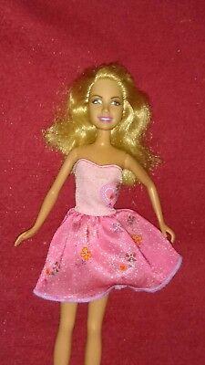Di Carattere Dolce Barbie Mattel 2007 Bambola Stacie Skipper + Fashion Abito Vestiti P78 Doll Dress-mostra Il Titolo Originale In Corto Rifornimento
