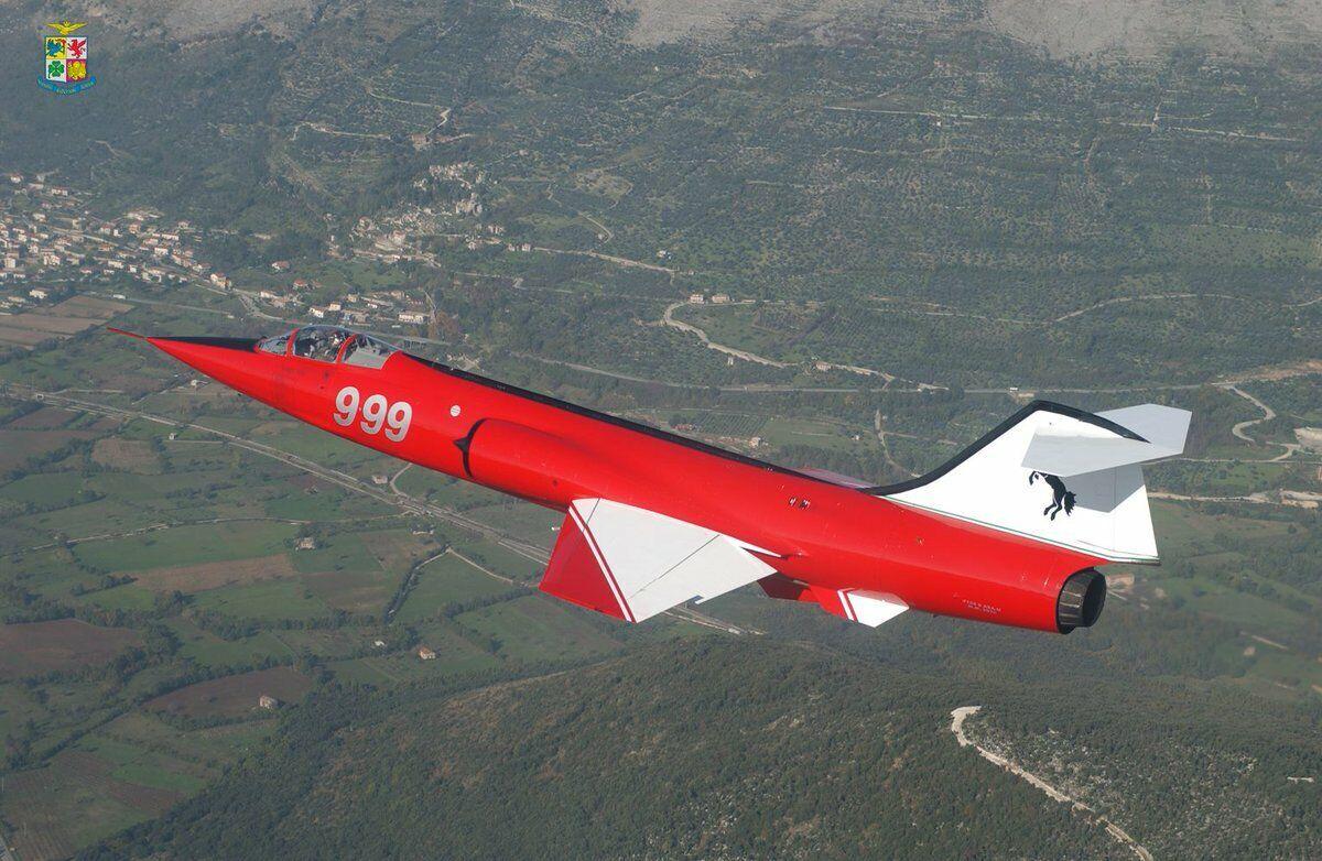 143 F 104 estrellacombatiente Coloreeei Ferrari