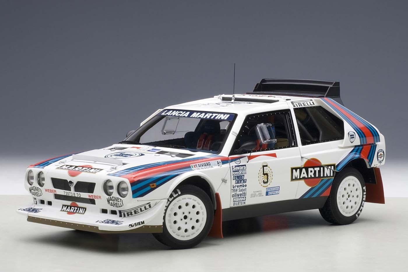 1986 LANCIA DELTA S4 MARTINI WINNER argentoINA  18 AUTOART 88621 NEW IN BOX