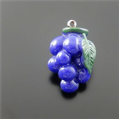 10 Grapes Charms Antiqued Copper Fruit Pendants Wine Love Findings 13mm