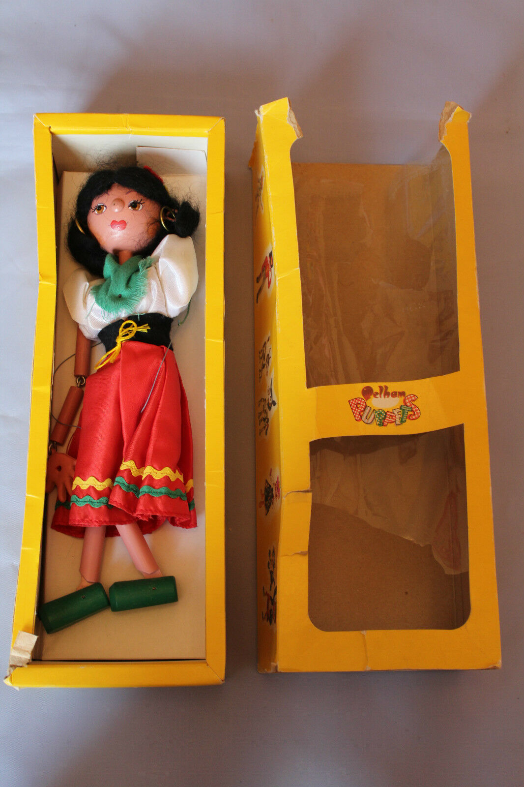 Pelham Puppet Gypsy in original box Ship Worldwide
