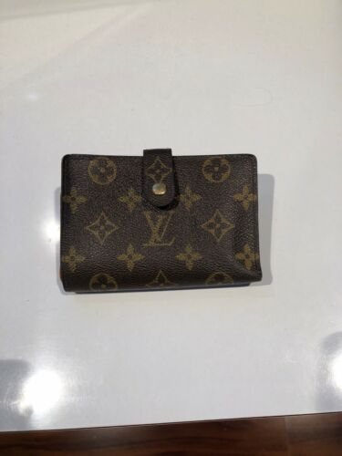 Women's compact Luis Vuitton flower compact wallet