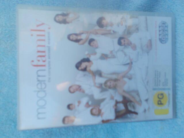 MODERN FAMILY COMPLETE SECOND SEASON 4 DISC BOXSET  DVD PG R4