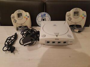 """SEGA Dreamcast Console - Blanche (PAL) + 2 manettes + Jeu """"Virtua Striker 2"""""""