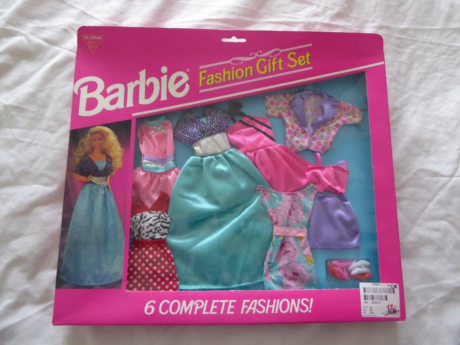 1993 Barbie Accessori Di Moda Barbie 1993 6 completi + 3 PRS di SCARPE-MATTEL 68073-92 NUOVO 4f2862