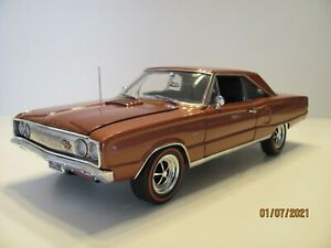 Danbury-Mint-1967-Dodge-Coronet-R-T-1-18-Scale