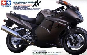 Tamiya-14070-1-12-Scale-Motorcycle-Model-Kit-Honda-CBR1100XX-Super-Blackbird