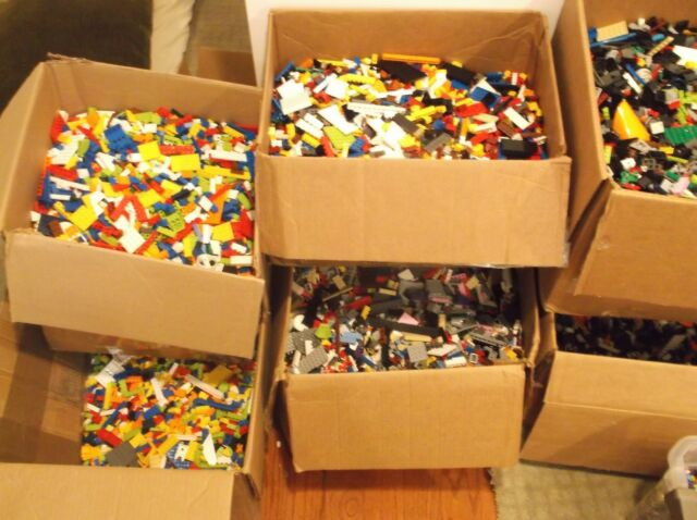 1000 LEGO PIECES BRICKS MINIFIGS TOWN CITY CASTLE STAR WARS CLEANED SANITIZED