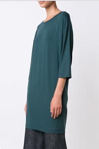 By Malene Birger Idoija T Shirt Dress in Exotic Grün Größe M