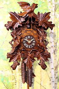 Details zu Original Schwarzwälder Kuckucksuhr mechanisch mit Schnitzereien  3 Vögel Laub NEU