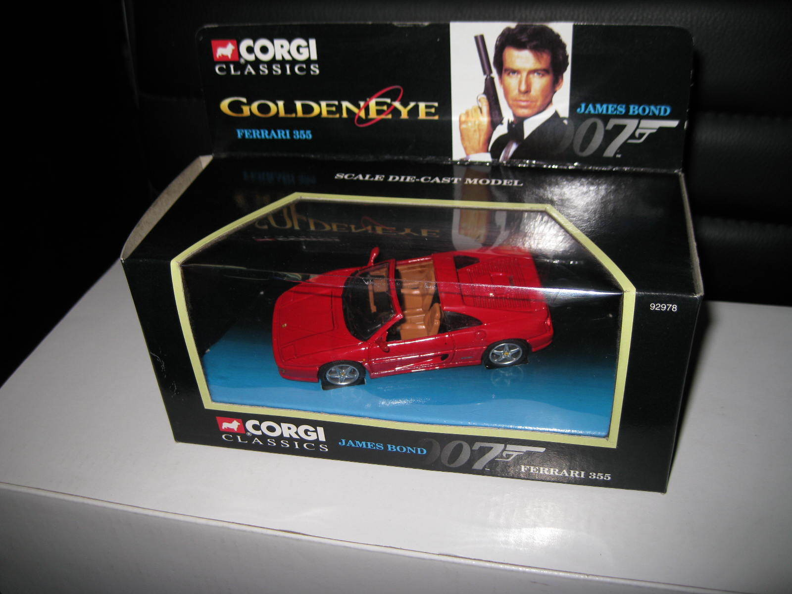 1 36 CORGI  JAMES BOND 007 FERRARI 355 RED FROM goldENEYE MOVIE AWESOME