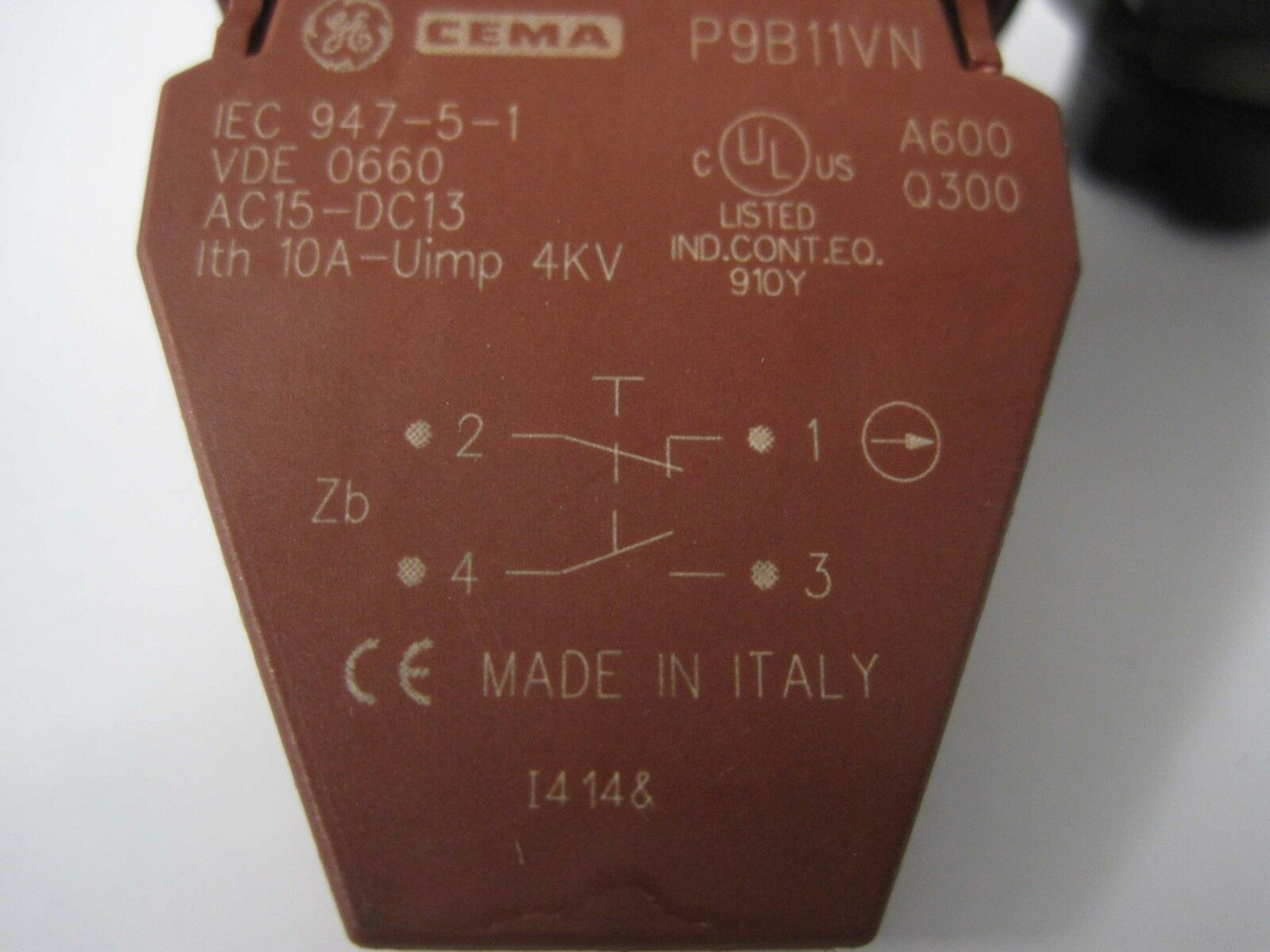 Hilfsschalter AEG GE Drucktaster schwarz mit Schildträger Hilfsschalterblock