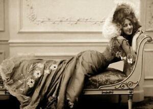Antique-Photo-Actress-Anna-Held-1890-039-s-Lounge-Photo-Print-5x7