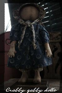 CraBByGaBBY-DRAB-Primitive-Folk-Art-Standing-faceless-Prairie-Doll-in-Blue
