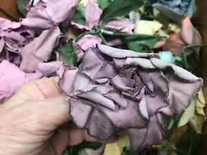 VINTAGE-SCRUNCHED-ROSES-FLOWERS-COTTON-Dusty-Plum-Shaded1940-039-s-CZECH1-piece