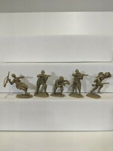 Conte-WWII-U-S-GI-039-S-Bloody-Omaha-5-Figures-Light-Tan-Color-1-32-A