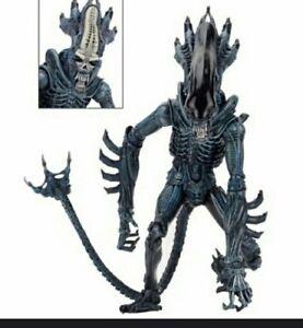 Alien Thierry Mugler Gorille Figurine
