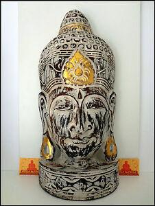Cabeza Buda en pedestal blanca India, de madera tallada y pintada a mano