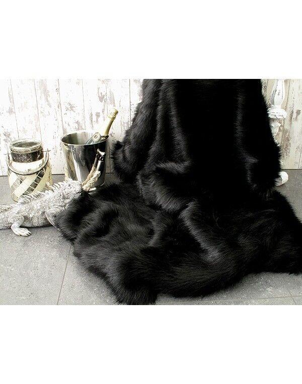 Goût élégant et choix distingué. Ours noir fausse fourrure fourrure fourrure jeter c5963f