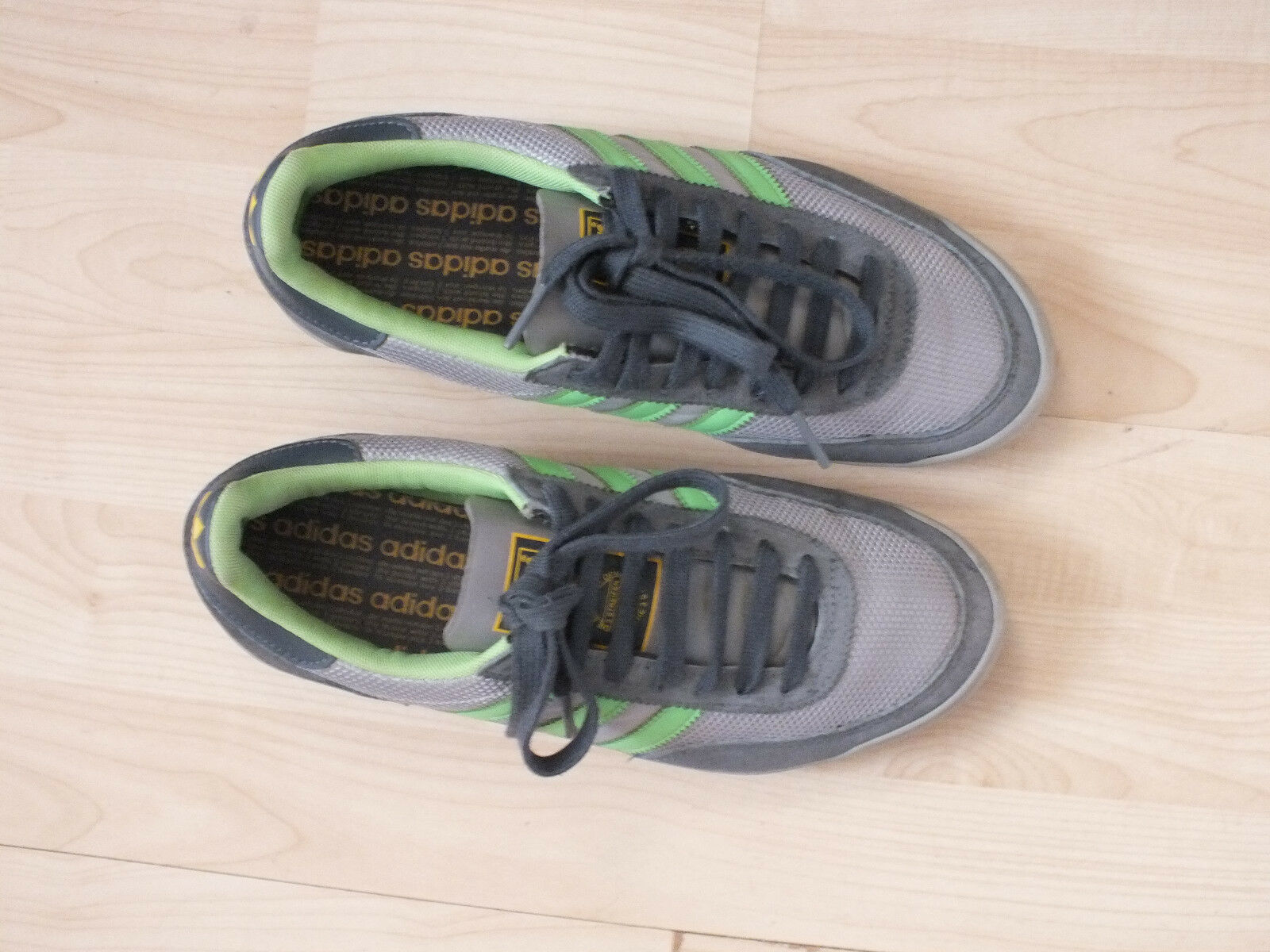 Adidas Rayas para Hombre Zapatillas-Three Size 5.5 .99 en una caja .99 5.5 Gratis P&P 602dc9