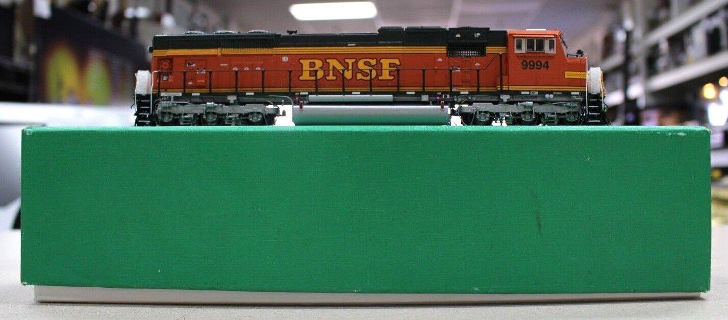 Overland OMI-6622.1 HO Scale BNSF SD70MAC SD70MAC SD70MAC Brass Locomotive Painted 1999 2c39fb