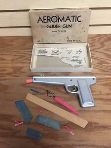 Vintage AEROMATIC GLIDER TOY GUN No. 5 by Jakel Co (Made in USA)