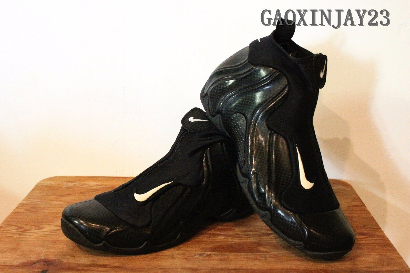 NIKE Air Flightposite Carbon Fiber Size 8.5 Great collection item Only Pair!!!
