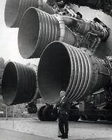 8x10 Nasa Photo: : Dr. Wernher Von Braun With Engines Of Saturn V Rocket