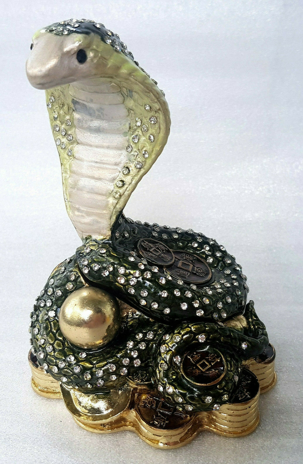 Schaukelpferd Schmuck Schatulle Pillendose Figur Luxus Sammlerstück Geschenk Box