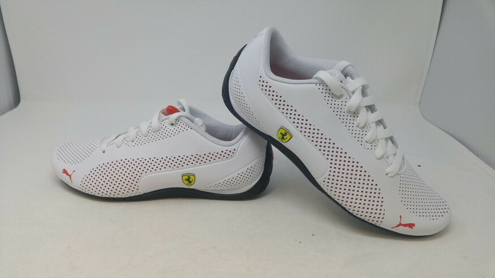 Puma Mens Athletic shoes White Size 8