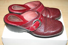 Clarks Artisan Collection Burgundy Mill Point Woven Leather Clogs Shoes Size 9