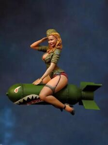 1-24-75mm-Resin-Figure-Model-Kit-Sexy-Girl-Woman-US-Soldier-WWII-WW2-Unpainted