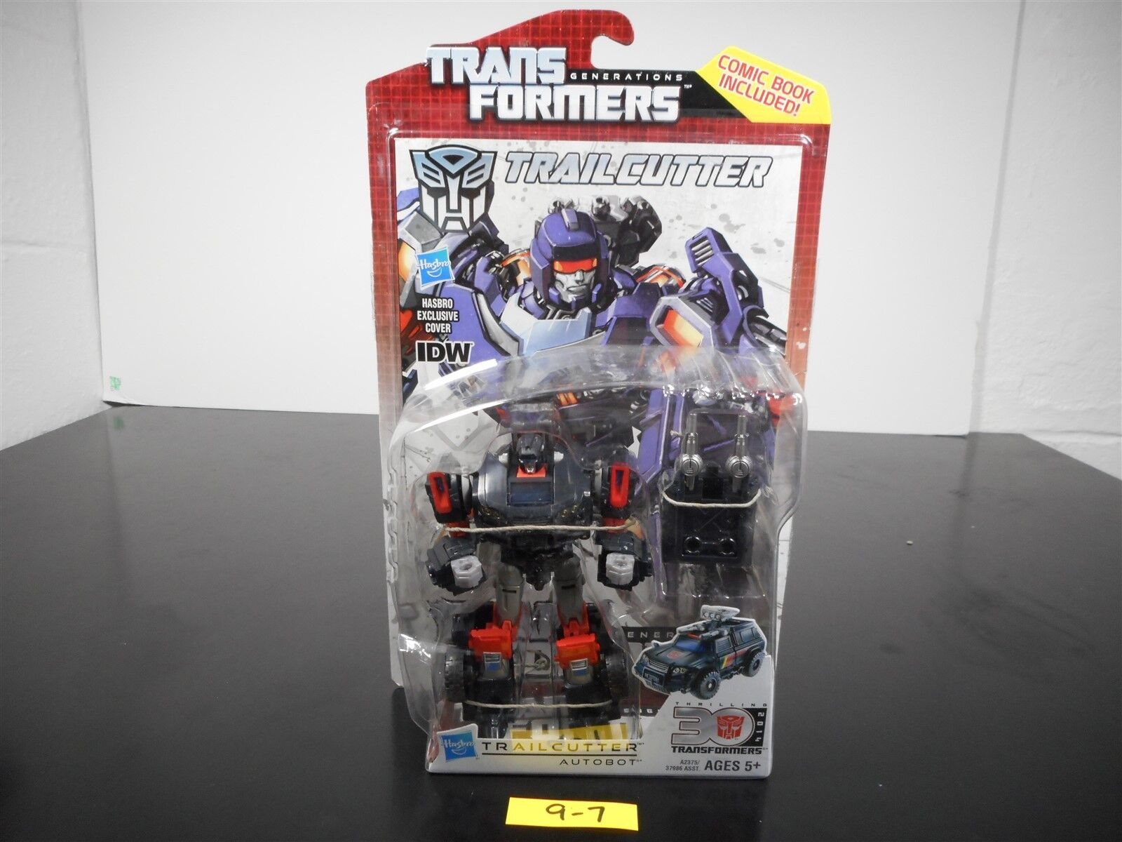 MINT & SEALED    TRANSFORMERS GENERATIONS IDW TRAILCUTTER THRILLING 30 COMIC 9-7