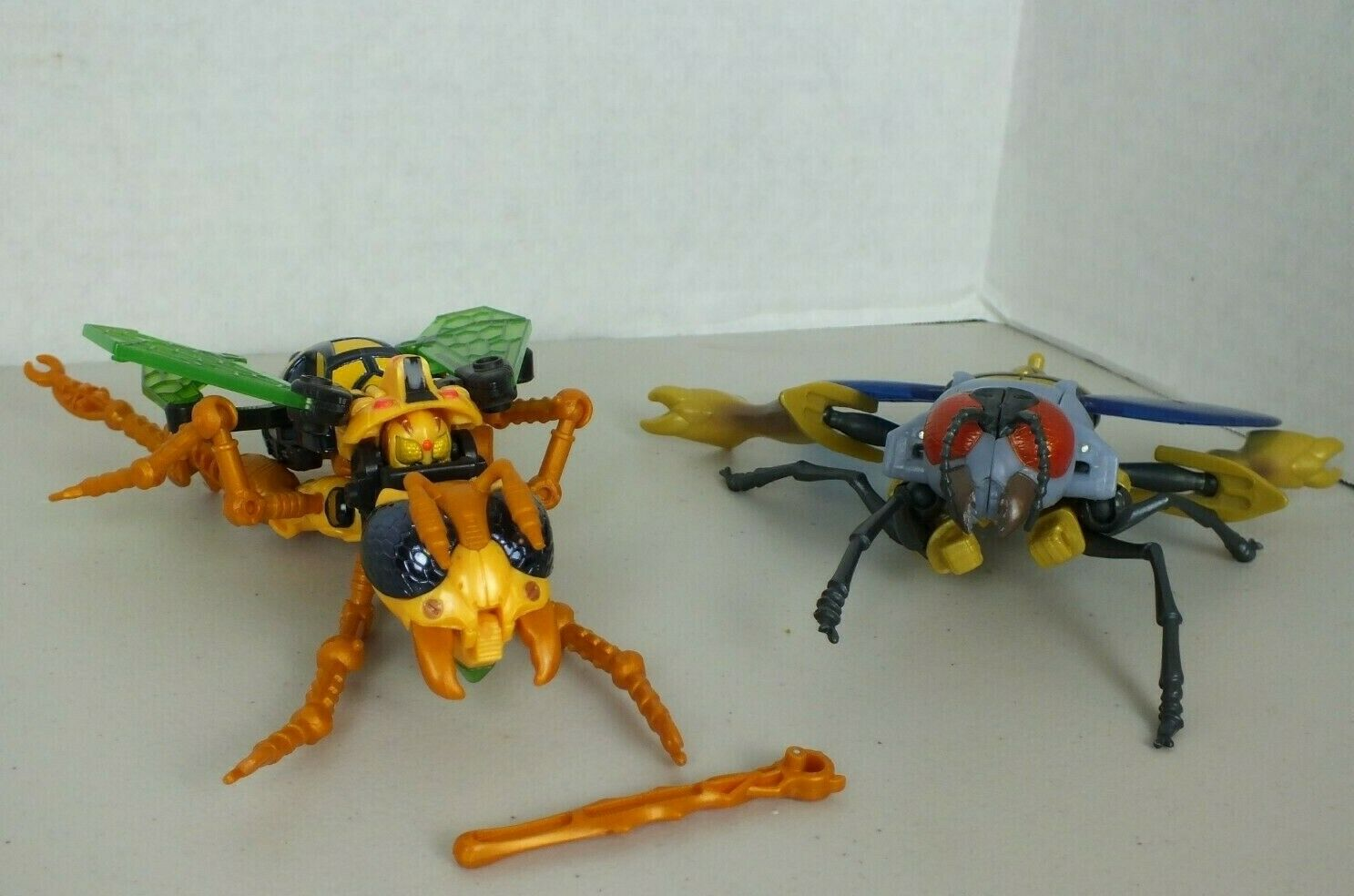 Transformers Deluxe Class Waspinator Lot  2 Fox Kids Action Figures Transmetals
