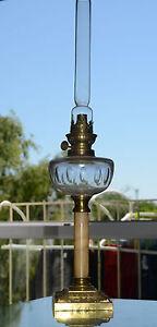 ANCIENNE-GRAND-LAMPE-A-PETROLE-RESERVOIR-EN-CRISTAL-TAILLE-BACCARAT-XIXeme