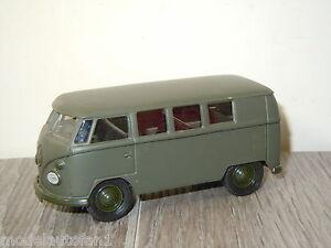 VW-Volkswagen-T1-Combi-Army-van-Solido-1-43-6495