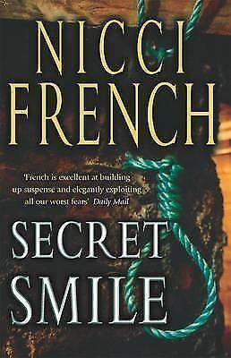 """VERY GOOD"" Secret Smile (TPB), French, Nicci, Book"