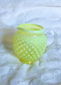 VINTAGE-FENTON-ART-GLASS-TOPAZ-YELLOW-OPALESCENT-HOBNAIL-SQUAT-PITCHER