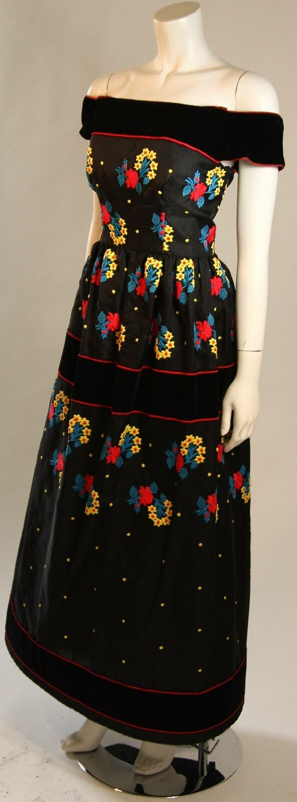 ARNOLD SCAASI Black Velvet Embroidered Gown with … - image 8