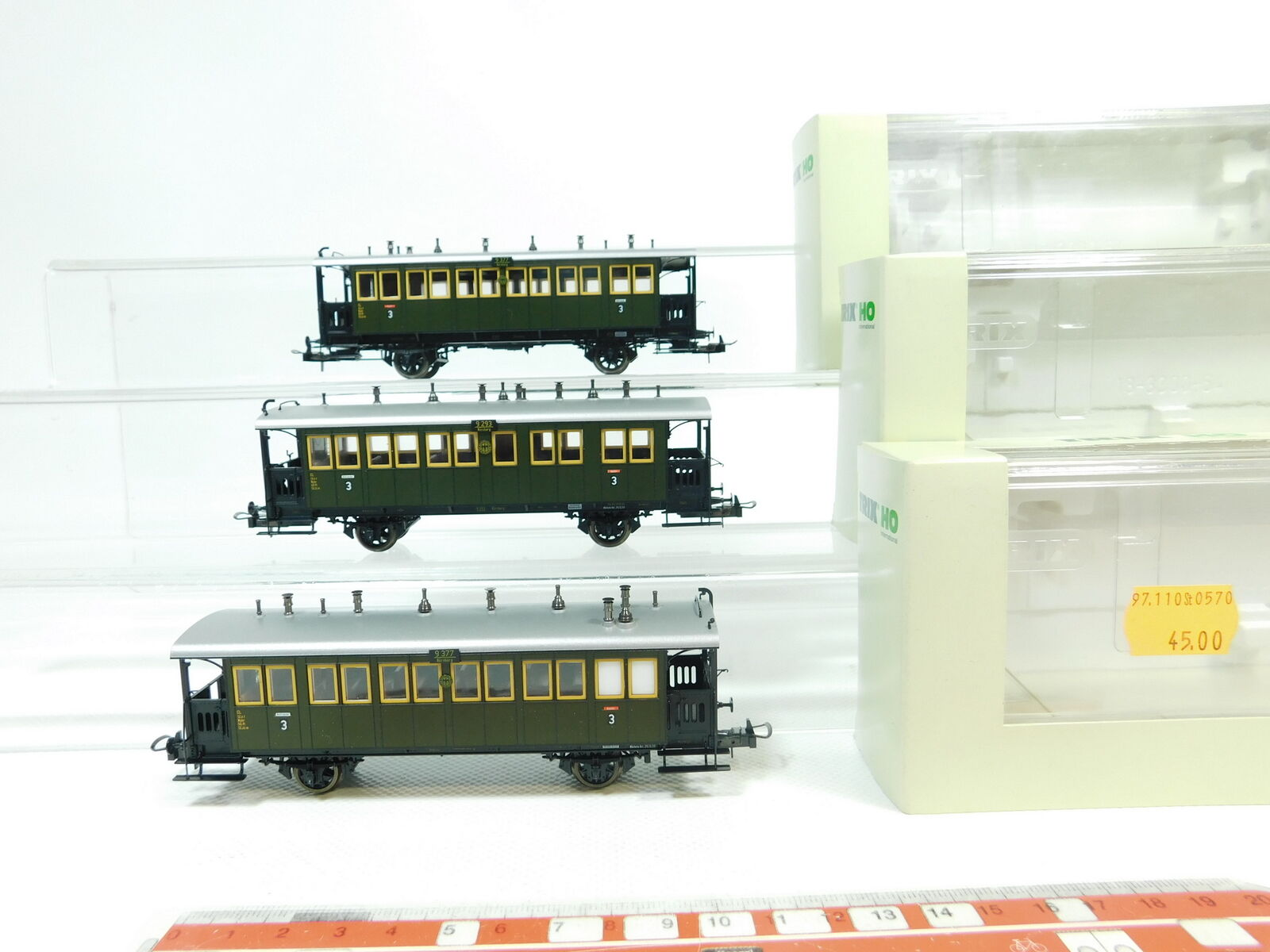 BJ87 -1 x Trix International H0  Dc Passagerarbil DRG Nem  23303 23304, Nip