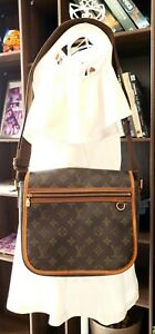 Authentic-Louis-Vuitton-Bosphore-PM-Monogram-Canvas-Messenger-Bag
