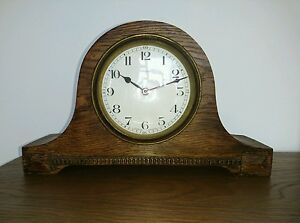 1930s Duverdrey Bloquel French Oak Bayard Small Humpback 8 Day Mantel Clock