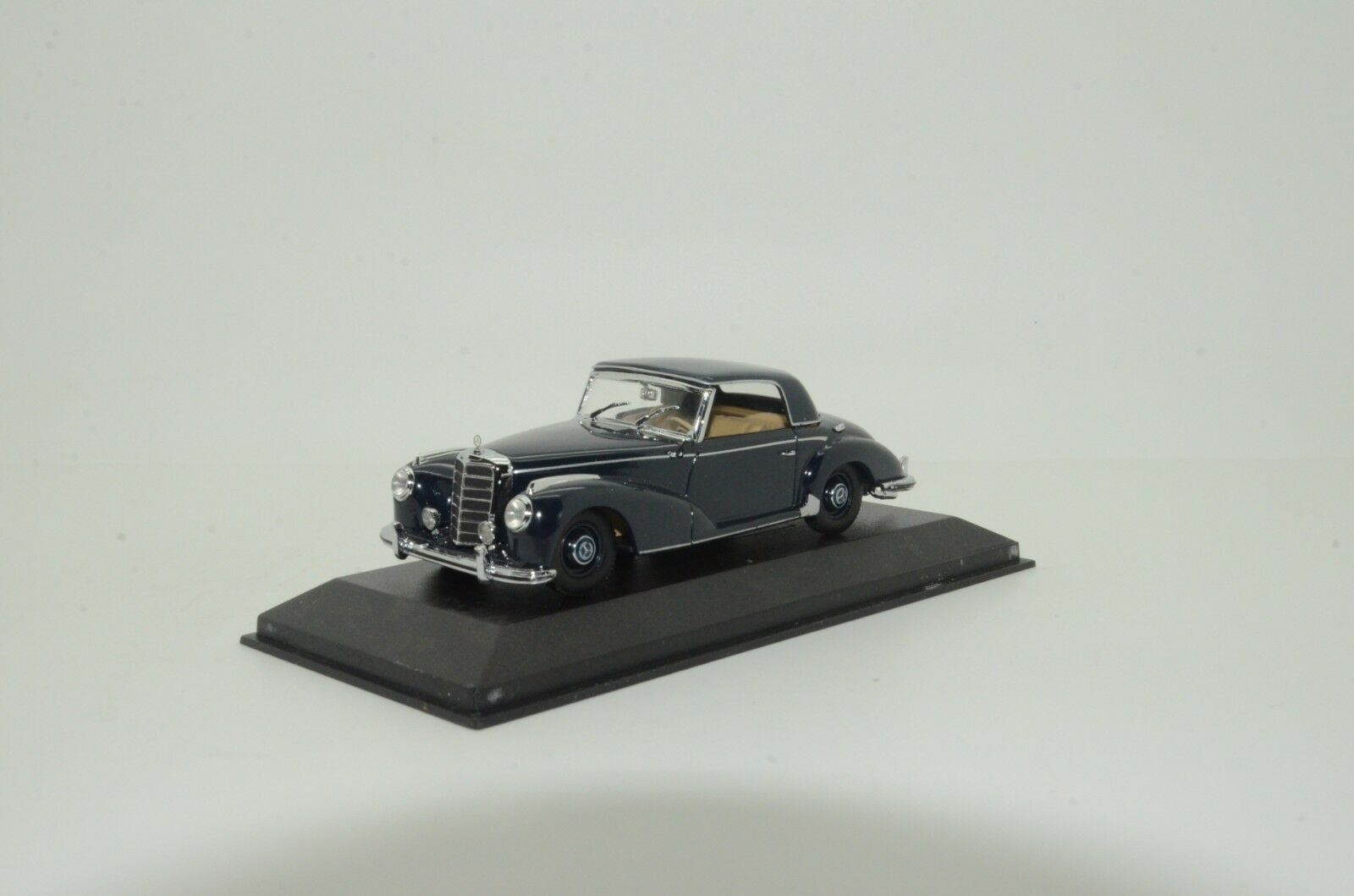 Rare    Mercedes 300 S coupe Minichamps B66040130 1 43