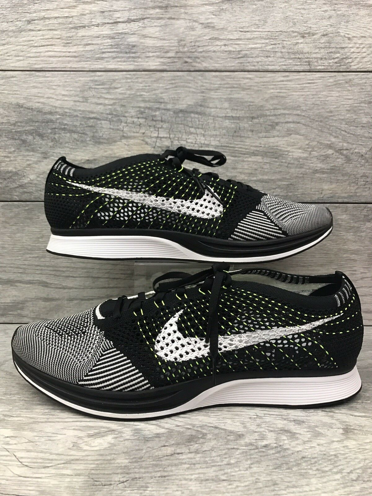 Nike Flyknit Racer Running shoes Mens size 13 Oreo Volt 526628-011