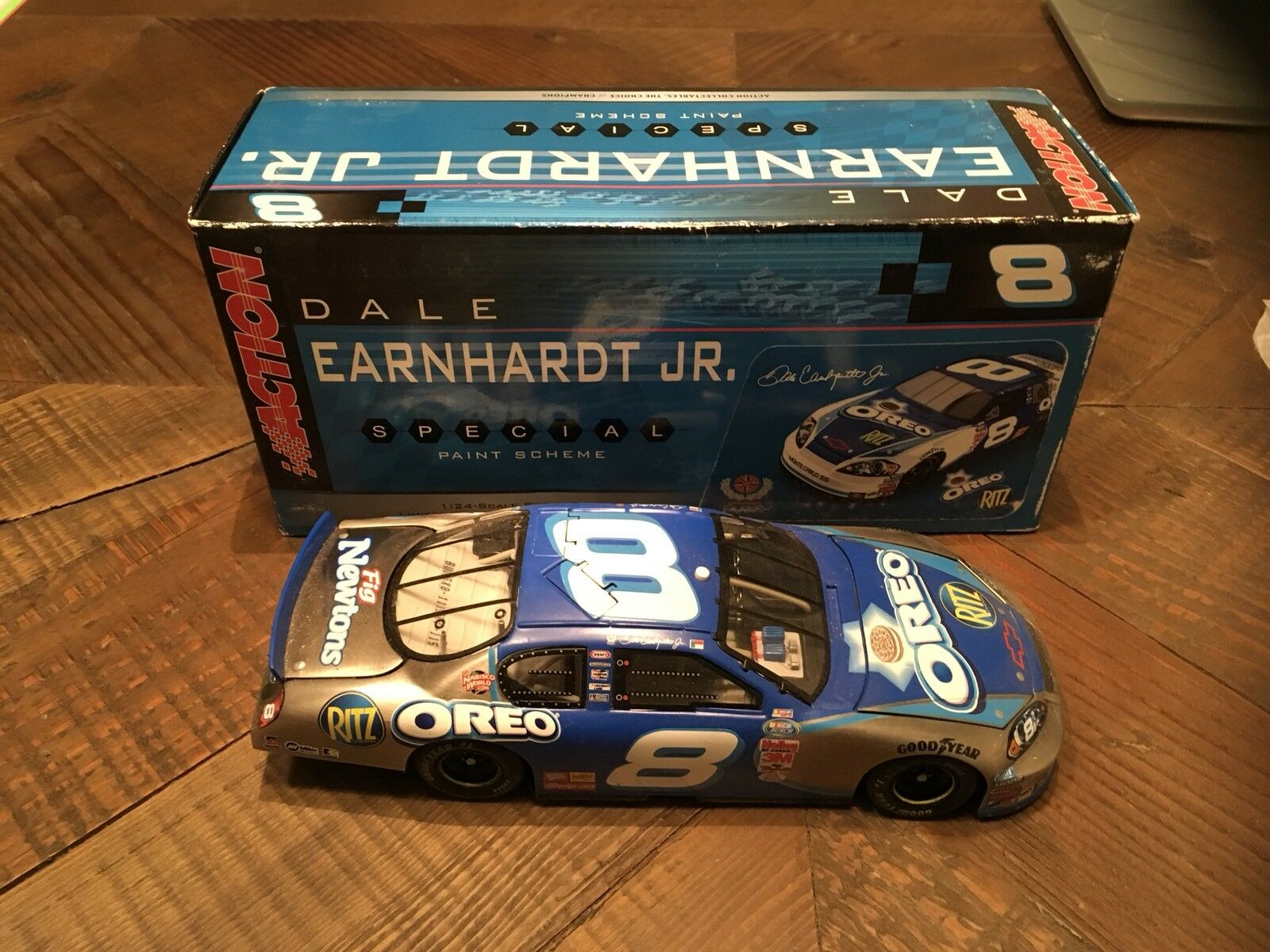 2006 Action Dale Earnhardt Jr. 1 24 Oreo Ritz Brushed Metal GM Dealers 1 504