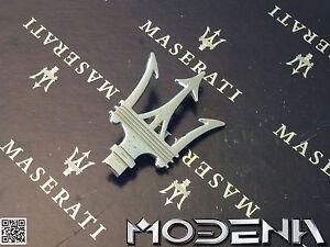 Maserati-Emblem-Dreizack-Tridente-Badge-Mark-Metall-Chrom-QP-Evoluzione-Evo